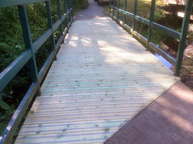 Timber bridge deck